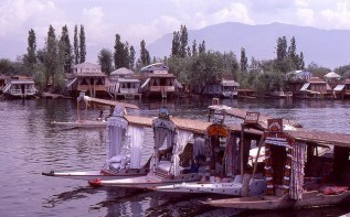 Daily Life in Vale of Kashmir, India, 1982 (2)