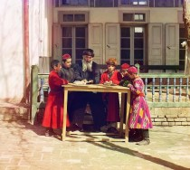 Rare Color Photos of People of the Russian Empire, ca. 1910s (2)