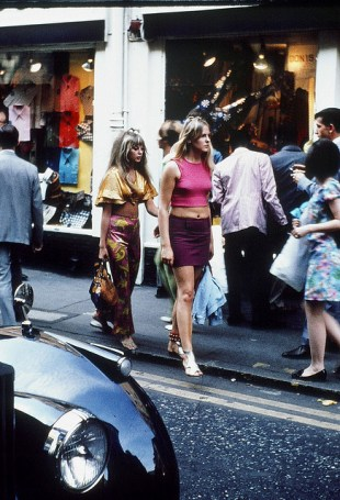 Photographs of life in London in the 60's (15)