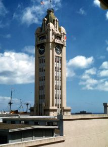 Aloha_Tower,_Honolulu,_1959