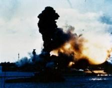 Arizona-Pearl_Harbor-1941
