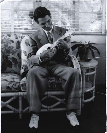 BillTapia-jazztimes-1935