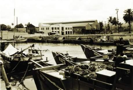 1960_Boats at Wailoa-tsunami-HTH
