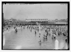 Brighton Beach-Bathing-UK-LOC-1915