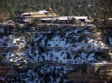 El_Tovar_Hotel-snow