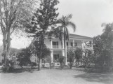 Exterior_of_Washington_Place_with_guards,_old_photograph