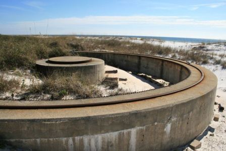 Fort_Pickens_Battery_Cooper_Panama Mount- representative of Fort Weaver