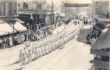 Funeral_Procession_of_Liliuokalani_-_marching