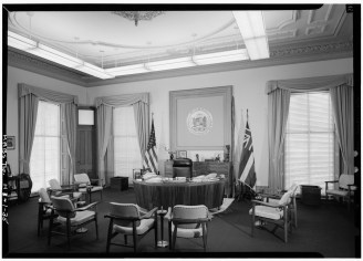 GOVERNOR'S_OFFICE_-_Iolani_Palace-LOC