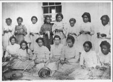 Group of girls lauhala weaving-PP-33-7-001-1900