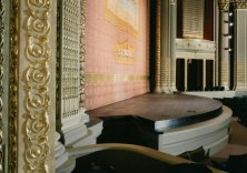 HawaiiTheatre_stage_(HawaiiTheatre-com)