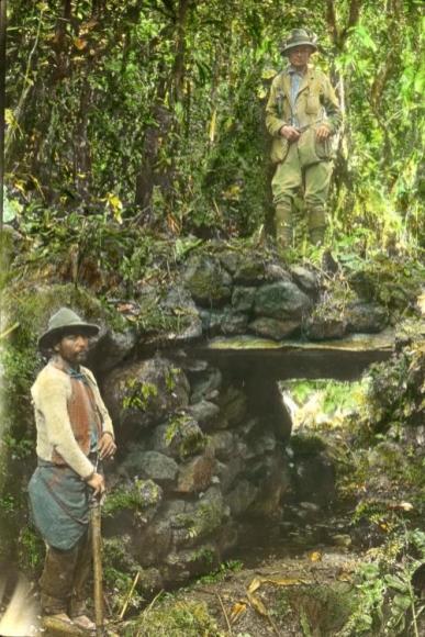 Hiram_III_at_Espiritu_Pampa_ruins_1911