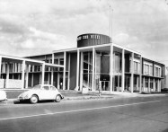 Honolulu Iron Works 1960. Today it is the location of Restaurant Row.