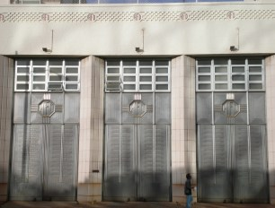 Honolulu-central-fire-station-doors
