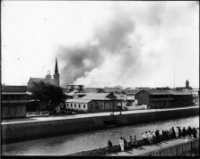 Honolulu_Chinatown_Fire_of_1900_(49),_photograph_by_Brother_Bertram