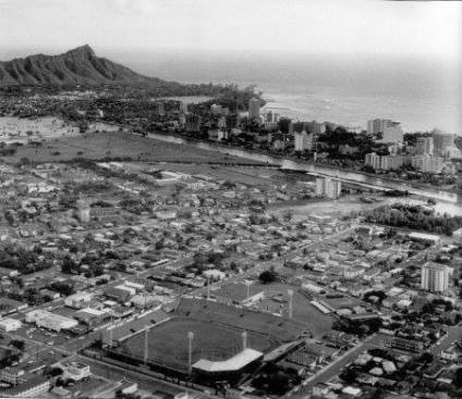Honolulu_Stadium-Waikiki-(Tarrant)