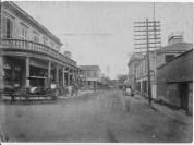 Honolulu_from_Merchant_Street_in_1885-Melcher 2-story to right