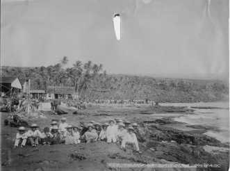 Hookena,_Hawaii-(PPWD-4-7-022)-1885