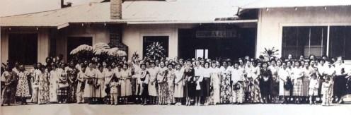 Hotel-Honokaa-Club-group gathering