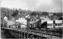 Kalama in 1912, looking east from a raised wooden walkway on the waterfront