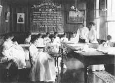 Kamehameha_School_for_Girls_sewing_class,-(WC)_late_1890s