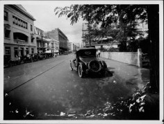 King St-Left foreground is the Advertiser-down the street is the Lewers & Cooke Bldg-PP-38-9-023-1925