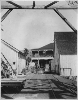 Lahaina_Light-Station._View_Looking_NE_along_dock._Site_of_proposed_new_light-station_buildings-1905