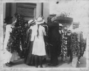 Lei sellers and customers on the waterfront, Steamer Day, Honolulu-(HSA)-PP-33-8-014