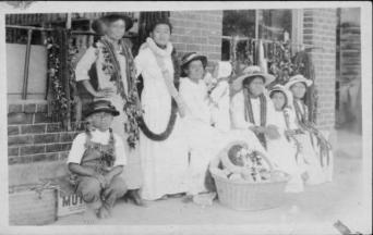 Lei sellers at the waterfront, Honolulu Harbor-(HSA)-PP-33-8-005