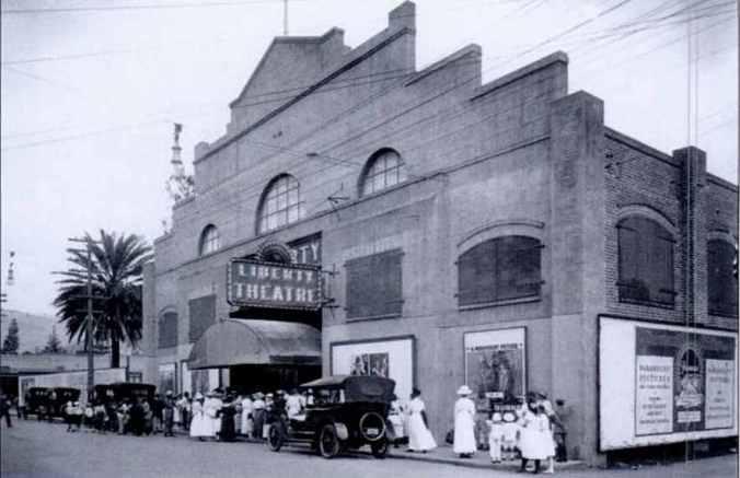 Liberty_Theatre-(TheatresOfHawaii)
