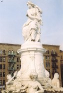 Lorelei Monument-Bronx-600