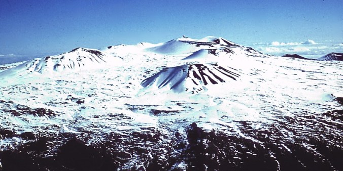 Mauna_Kea_Summit_in_Winter-WC