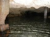 Moiliili-Water_Cave-(punynari)