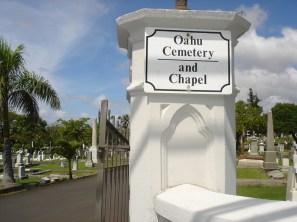 OahuCemeteryEntrance