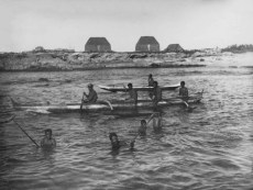 Outrigger_canoes_and_men_fishing,_1885