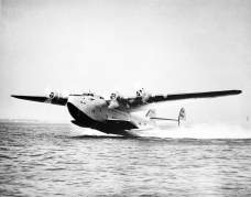 Pan Am's Boeing 314 had a lower set of seawings to provide balance and buoyancy on the water-Smithsonian