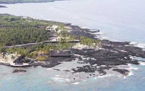 Puuhonua_O_Honaunau-Hale_O_Keawe-lower_left