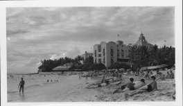 Royal_Hawaiian_Hotel-from_beach-1940