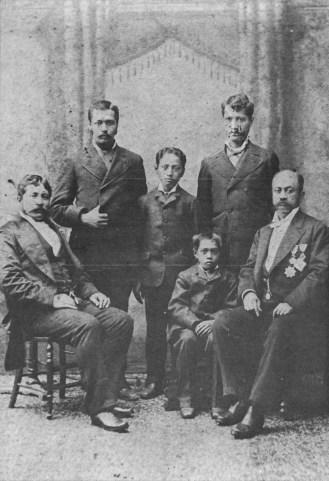 Seated (L2R) John Kaulukou, James Hakuole & Kapena Standing (L2R) unidentified, Isaac Harbottle & (probably) James Kapaa-WC