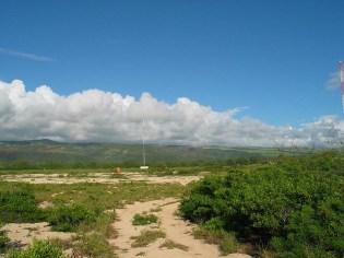 WWVH_Facility-_Antenna_from_beach_trail