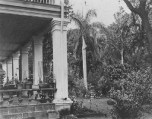 Washington_Place,_Honolulu,_Hawaii,_1886