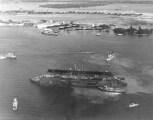 YFD-2_arriving_Pearl_Harbor_Oct_1940