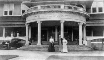 circa 1910, from The Advertiser's archives shows the old Hale'iwa Hotel
