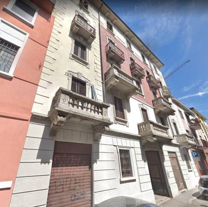 Trilocale In Vendita A Milano Via Giuseppe Regaldi 22