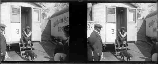 Vue sur une roulotte du cirque Wilhelm Hagenbeck, lieu indéterminé