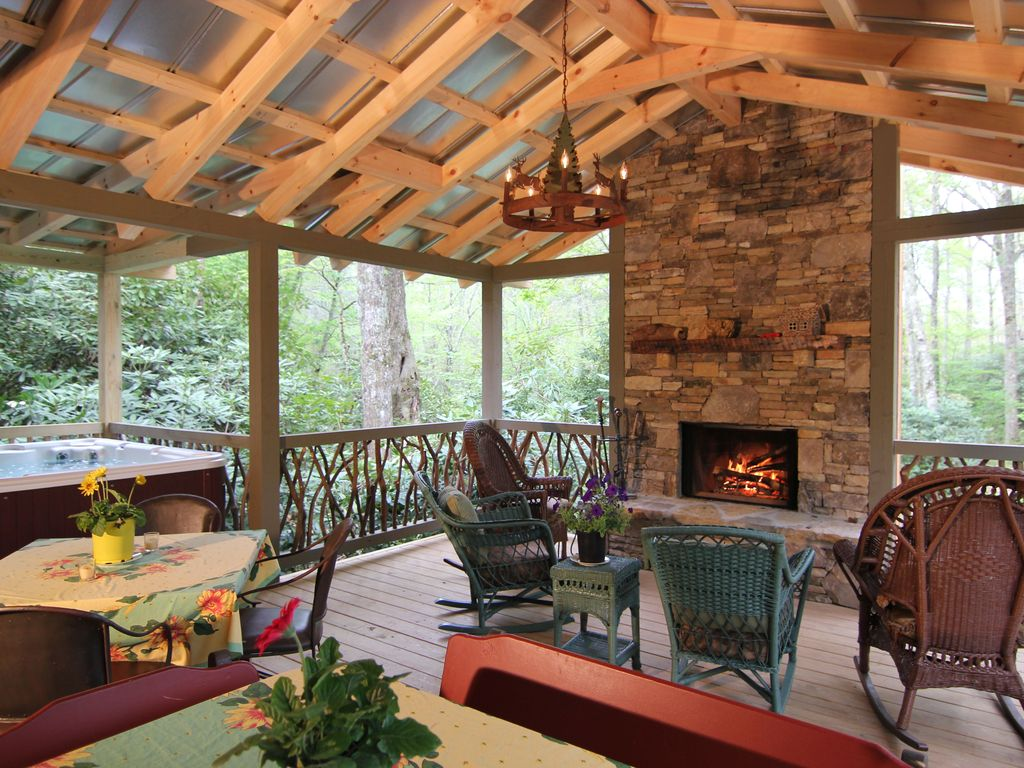 In Town, 2 Masters, Outdoor Living Area... - VRBO on Covered Outdoor Living Area id=79253