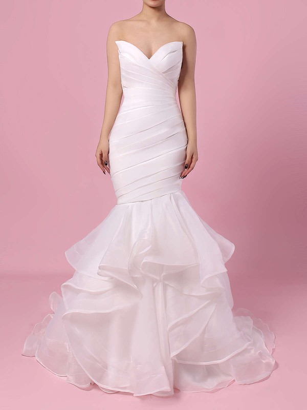Elegant Open Back V Neck Wedding Dress