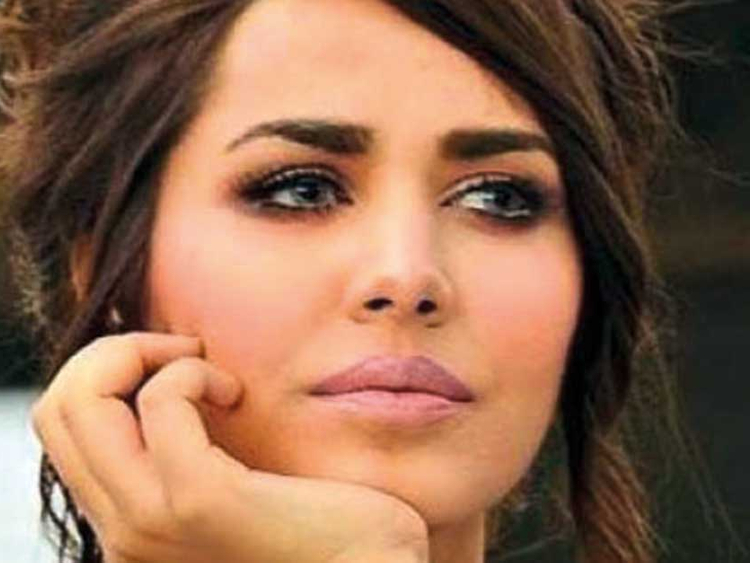Pakistan Supermodel Ayyan Who Lives In Dubai Is Now Wanted Person In Currency Smuggling Case