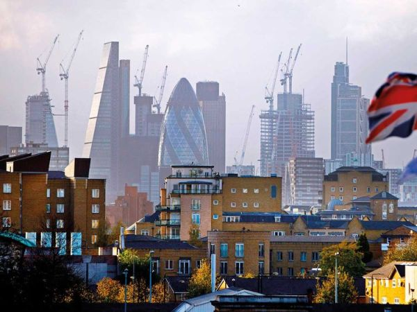 Worlds wealthy still find value in London