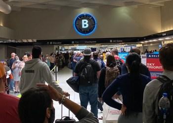 Insanely Long Lines Has Passengers Fuming At North Carolina Airport
